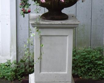 Queen Anne Style Garden Pedestal