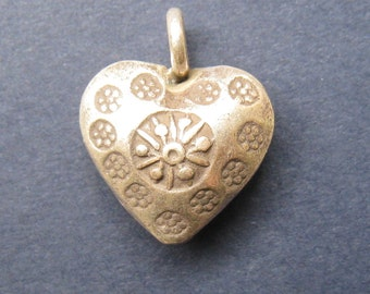 HT-51 Thai Hill Tribe Heart Charm