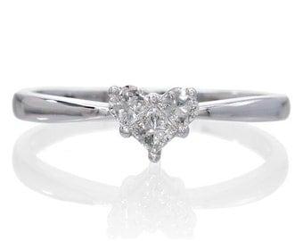 18 Karat White Gold Heart Diamond Solitaire Ring