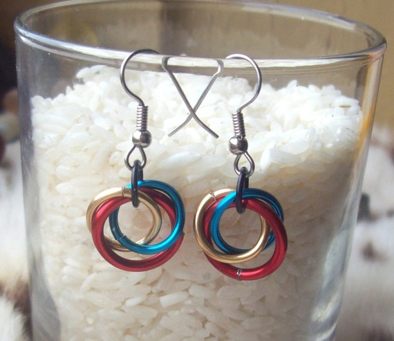 Superman Inspired Chainmaille Earrings