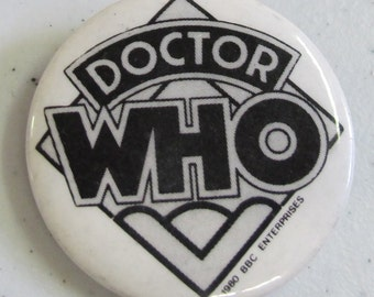 Vintage Collectible button : dr who