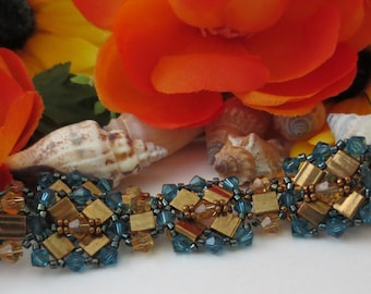 Just WOW Bead and crystal bracelet
