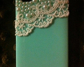 Lace & pearls iPhone 4 case in mint green