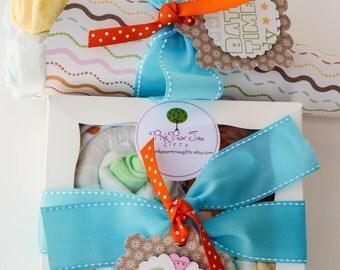Gender Neutral Gift Set, Baby Shower Gift w/ Baby Diaper Bouquet & Onesie Cupcakes