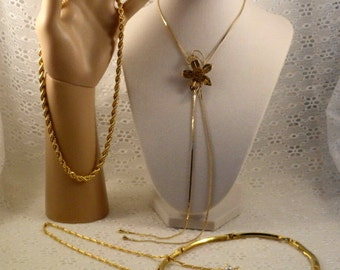 Vintage Gold Tone Necklace Lot Glitzy Gleaming Rhinestones Faux Pearls Sectional Choker Flowers Rope Twist Lariat Bola Chains