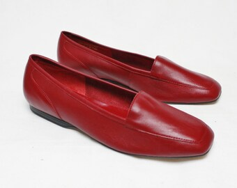 """80s Vintage """"CAPEZIO"""" Red Leather Loafers Sz: 7.5 (Women's Exclusive)"""
