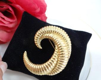 Vintage Gold Tone Spiral Textured Brooch Pin - Vintage and Elegant