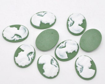 5 Cameo Cabochon Vintage Lady  Resin Oval Cameo - 28 x 21mm - WHITE on GREEN - Pack of 5 CAB27