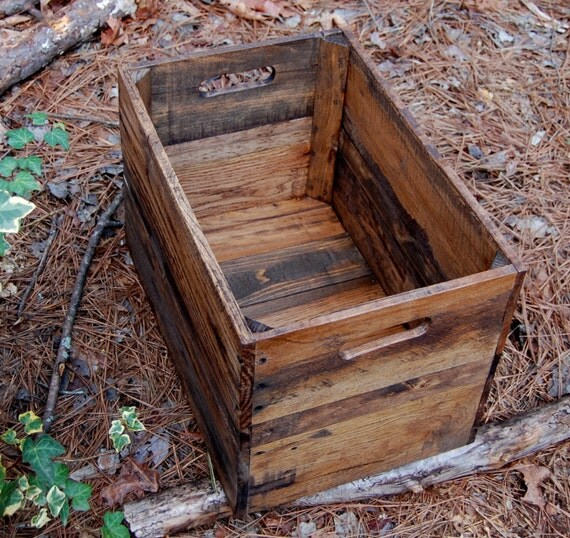Medium provincial wooden crate from reclaimed wood vintage for Old wooden crates