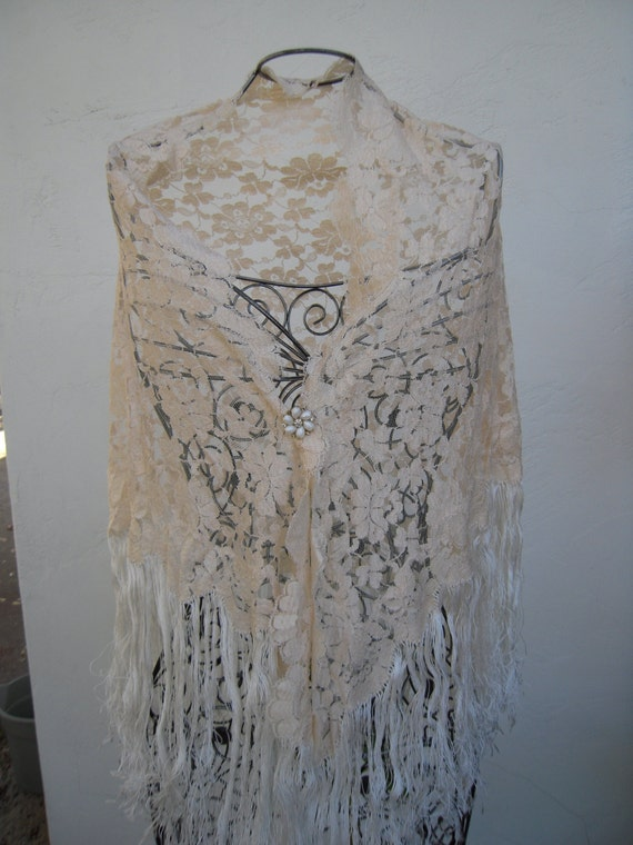 Vintage Lace Shawl Handmade Lace Shawl Spanish by BeckVintage