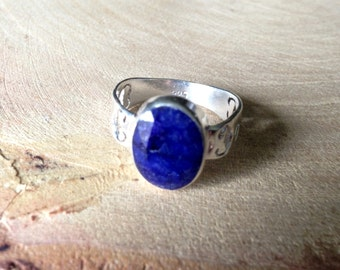 Natural Stone Sapphire & Silver Ring 925
