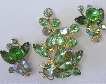 Vintage BEAU JEWELS Green Rhinestone Brooch & Earring Demi Parure Set