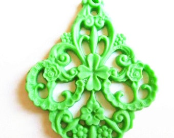 6 pcs of german filigree charm 0289-45x55mm-1-apple green