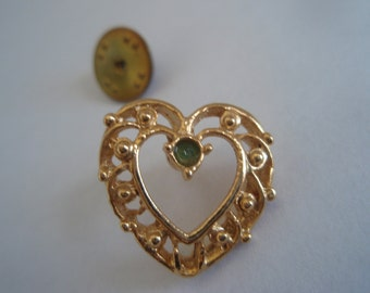 Vintage Gold Filigree Heart with Green Center  Vintage collectible jewelry lapel pin