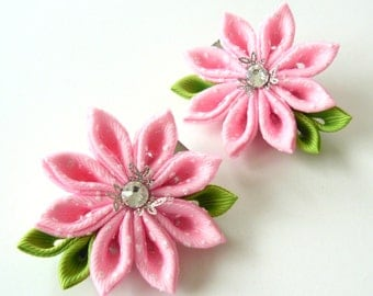 Kanzashi  Fabric Flowers. Set of 2 hair clips.Lt. pink.