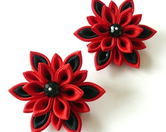 Kanzashi  Fabric Flowers. Set of 2 hair clips. Red and black.