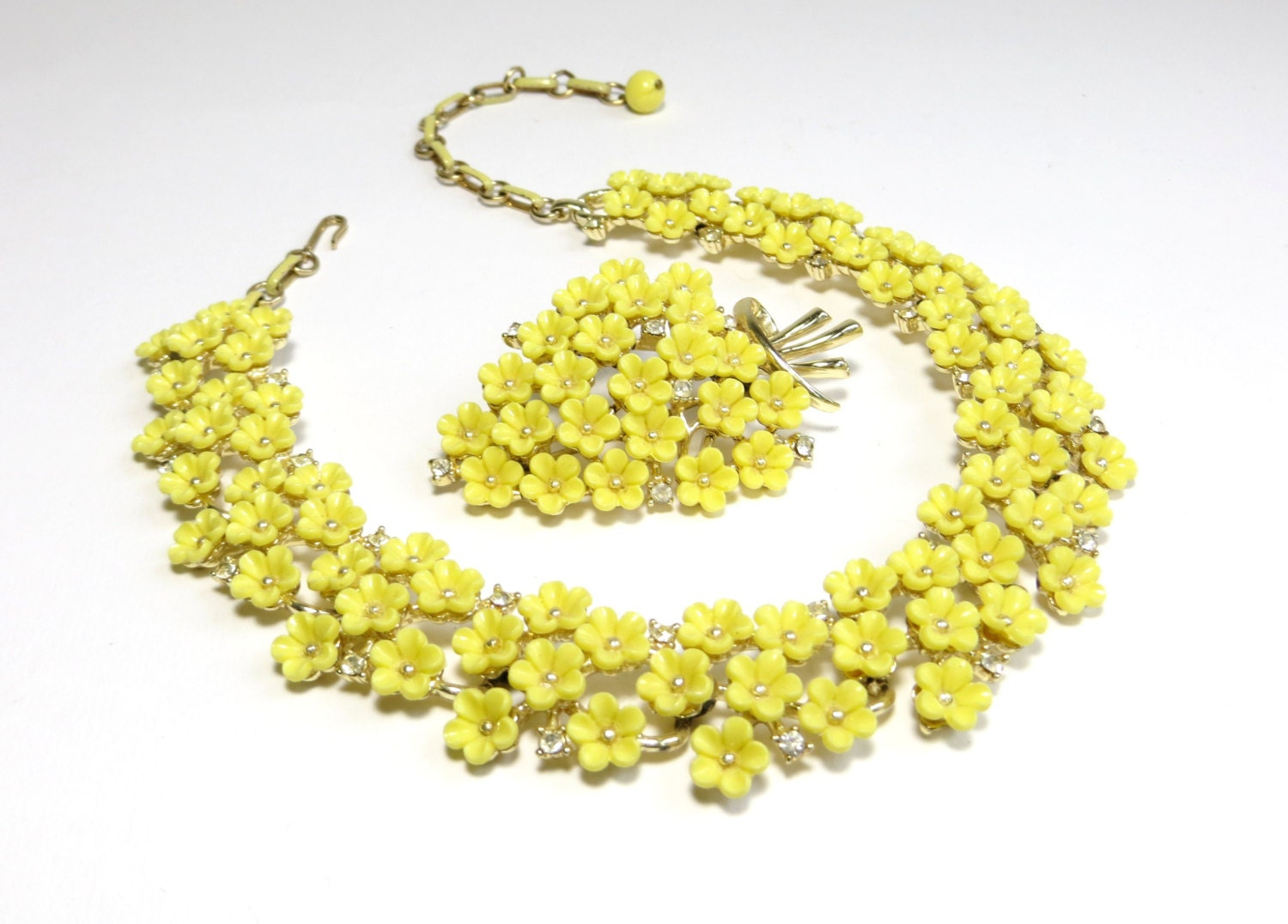 vintage coro yellow flower necklace and brooch with