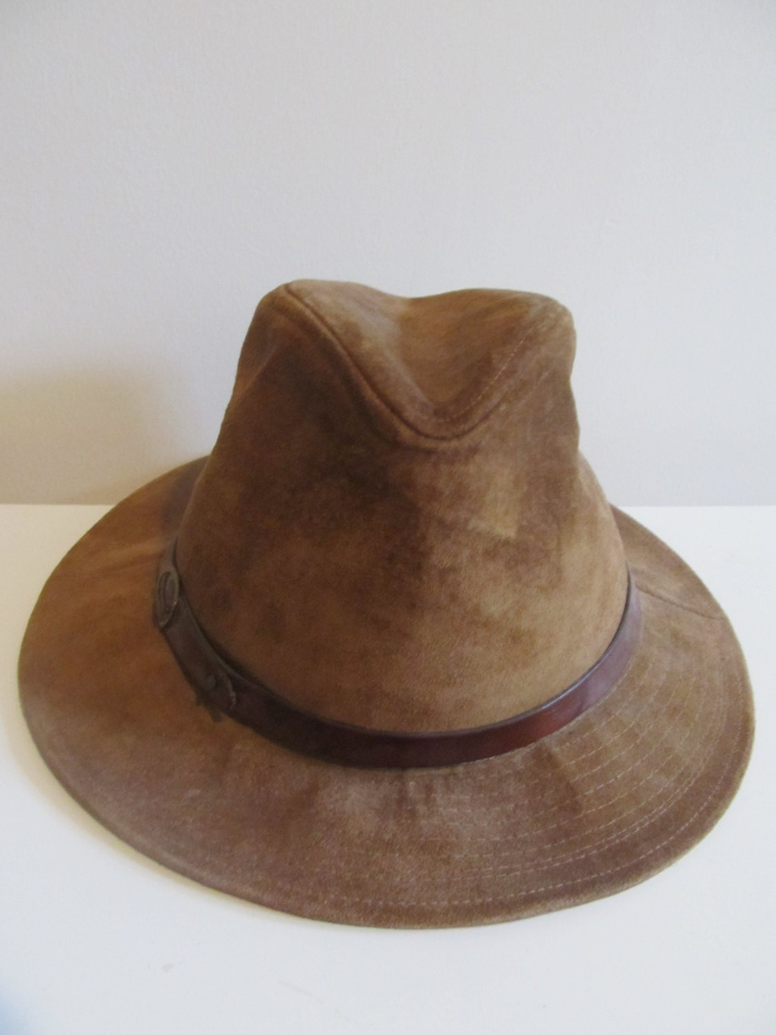 Mens Suede Hat ($ - $): 30 of items - Shop Mens Suede Hat from ALL your favorite stores & find HUGE SAVINGS up to 80% off Mens Suede Hat, including GREAT DEALS like Jacaru Cowboy Hat Mens Brush Suede Vented Wallaroo Suede ($).