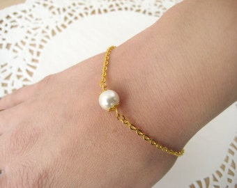 Set of 6-Pearl Bridesmaid Bracelet, Gold Bridal Bracelet, Pearl Bracelet