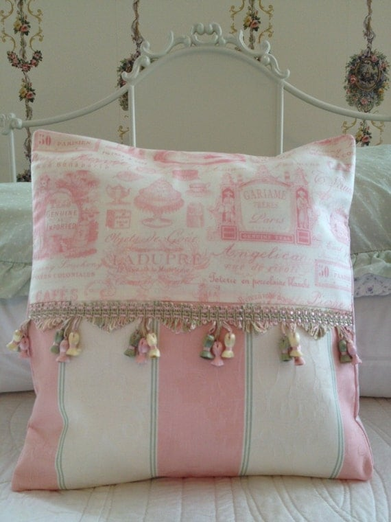 French country pillow cover sham cottage by for Case shabby chic country