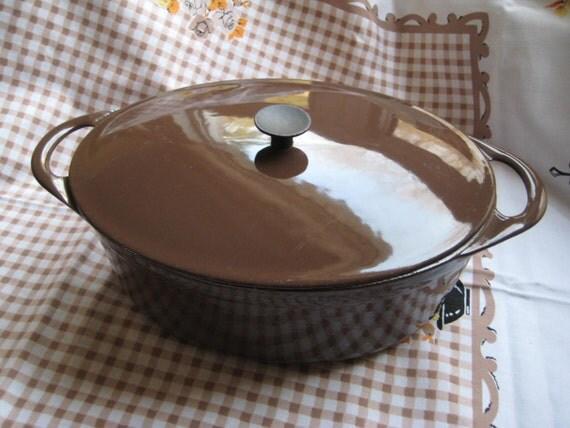 vintage cousances le creuset chocolate brown enameled cast. Black Bedroom Furniture Sets. Home Design Ideas