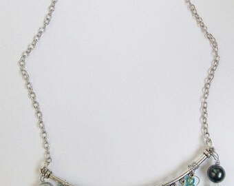Blue Green Glass Bead Wire Necklace