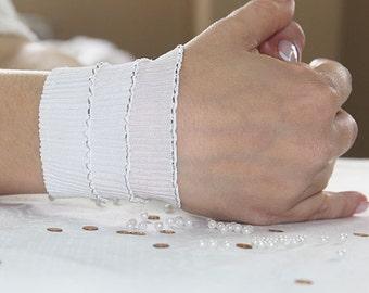 White Lace Wedding gloves-Lace Fingerless short gloves-Bridal Cuffs-wrist cuff