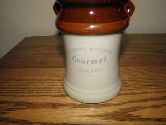Country Kitchen Gourmet Toolery