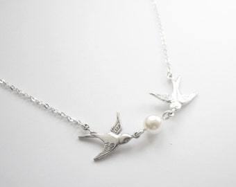 Silver Necklace withtwo birds and white pearl