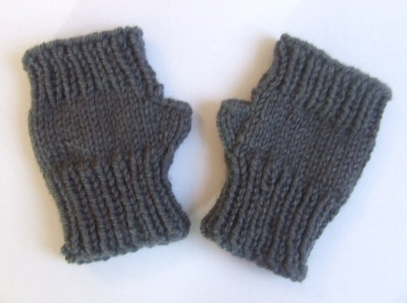 Fingerless children's mittens - toddlers 18 months 2 3 years - charcoal grey - wristwarmers - hand knitted - unisex