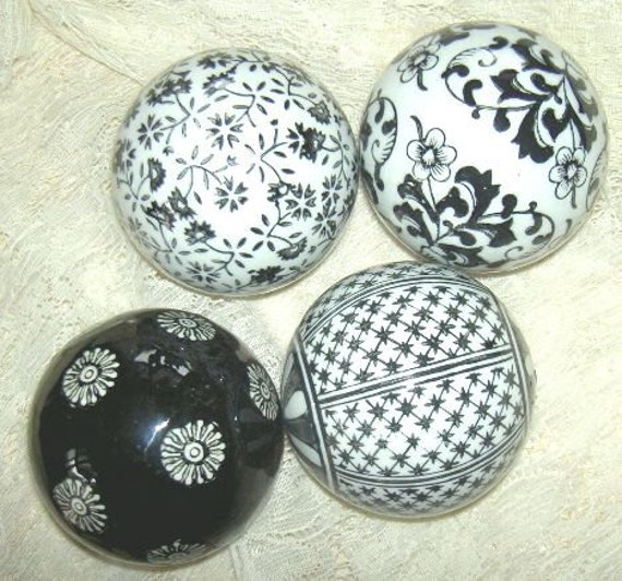 Black Decorative Balls For Bowls: Porcelain Victorian Carpet Balls Black White Toile Design Set