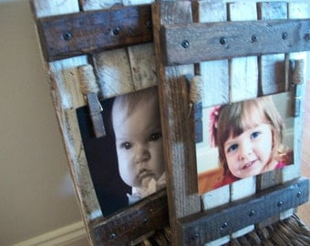 Picture holder/frame  ONE Rustic/shabby chic /farmhouse wall hanging