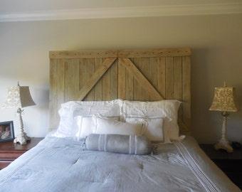Barn door Full headboard / Rustic barn gate