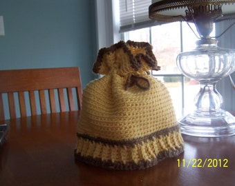 Crocheted Cloche Hat With Ruffled Top