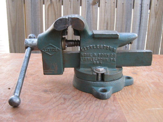 Vintage No 112 Littlestown 3 5 8 Bench Vise With Anvil