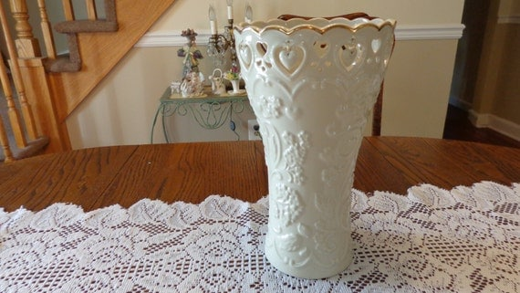 Lenox Wedding Gifts: Lenox Floating Hearts Large Vase Wedding Gift Collectible