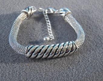 Vintage Silver Tone  Tubular Mesh Oblong Raised Relief Slide Adjustable Bracelet