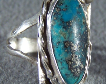 Vintage  sterling silver Southwestern Style  bold Oval Etched Scrolled  Turquoise Band Ring, Size  7     W