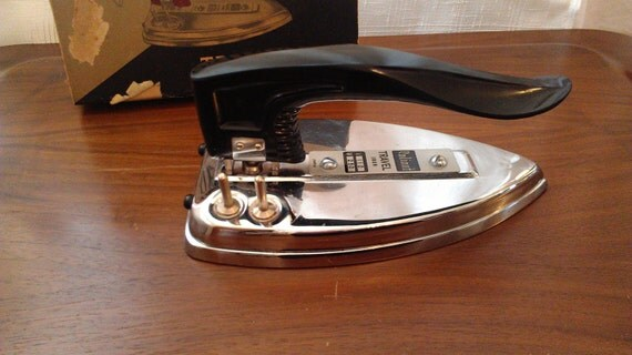 Mid Century Chrome Electric Travel Iron With Box And Travel Bag