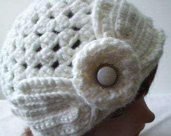 White Beanie in Vintage style
