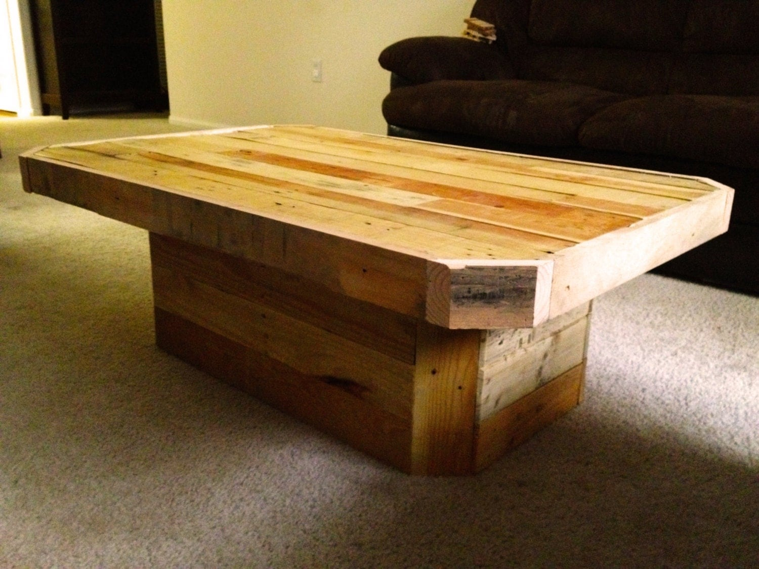 Chevron Pallet Coffee Table pallet coffee table. diy pallet coffee tables. rustic square top
