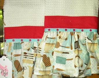 A little bit retro/ hand towels, kitchen towels, deocr towels, waffle fabric