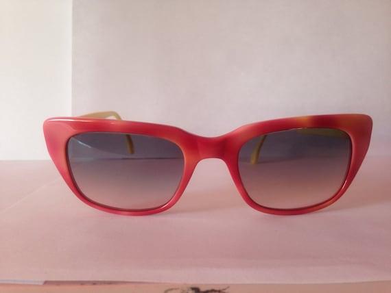 Pink yellow vintage Robert la Roche sunglasses. Mod. S55