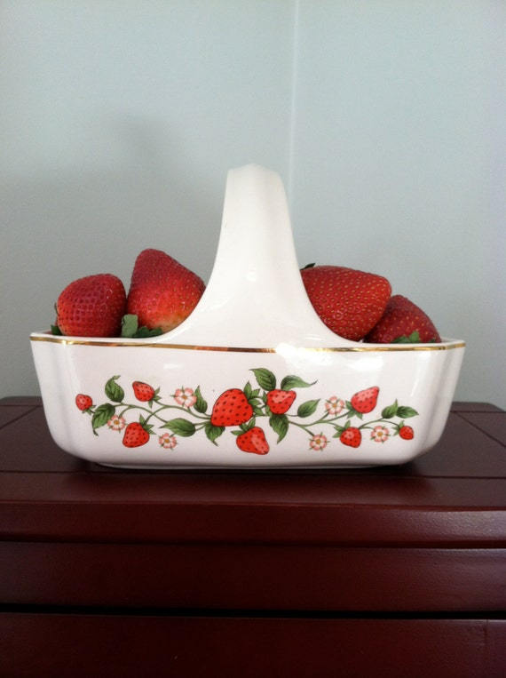 Teleflora Ceramic Strawberry Serving Basket