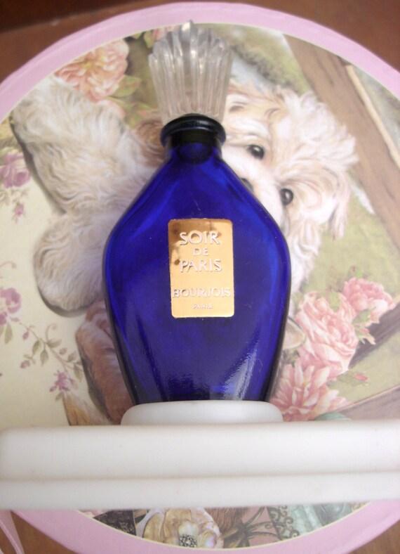 soir de paris vintage perfume bottle from bourjois. Black Bedroom Furniture Sets. Home Design Ideas