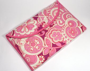 "Padded 11"" Macbook Air Laptop Case, Handmade Cover for 11 Inch Laptop, Pink Retro Swirly Fabric"