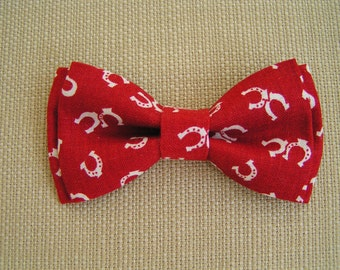 Red with White Horseshoes Bow Tie for Boys and Men, Bow tie , Kids bow tie clip, Bow tie clips, horse shoe print bow-tie