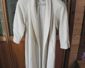 Vintage Off-White 1980's Portrait Swing Wool Coat (Size 4)