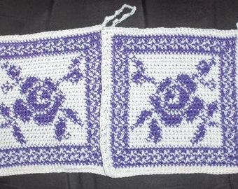 crocheted pot holders, crocheted roses, kitchen decor, crochted decor