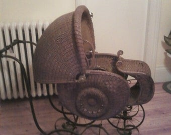 Heywood Wakefield Circa 1890 wicker stroller original caned seat Heywood Wakefield stamp on base